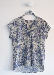 Top with patterns canvas of Jouy.