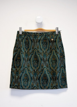 Short straight skirt with...