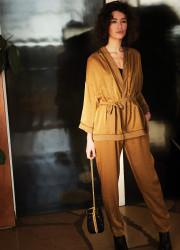 Iridescent kimono in iridescent fabric