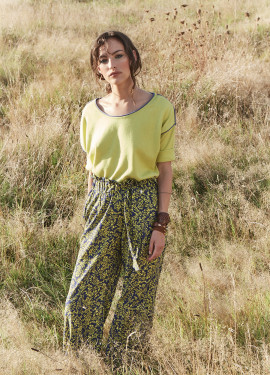 Trousers with bicolor pattern