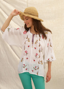 Wide embroidery blouse