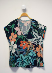 Top with Gauguin pattern