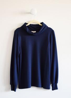 Slim turtleneck sweater